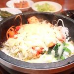 チーズキムチ石焼きビビンバ(オムニ食堂 三軒茶屋店 )