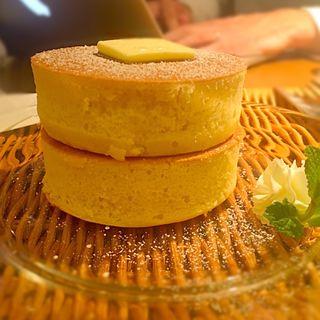 しっとりふわふわ自家製厚焼きホットケーキ(神宮苑 )