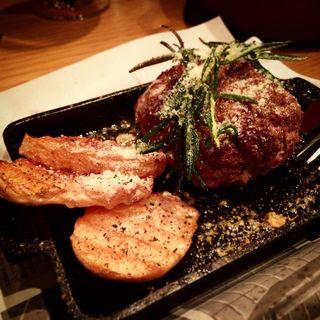 熟成牛100%手ごねハンバーグ(旬熟成 Hanare (シュンジュクセイ ハナレ))