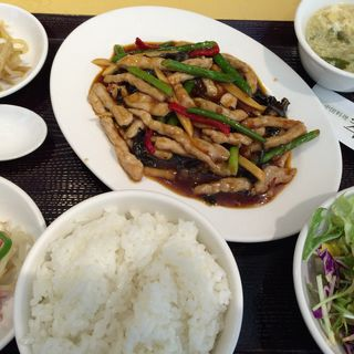 豚肉の甘辛酢炒め(中国料理 翠海 (チュウゴクリョウリスイカイ))