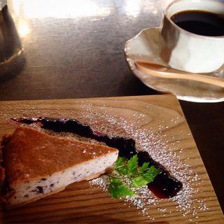 自家製ベイクドチーズケーキ ブルーベリー入り(上七軒Ojbon Cafe )