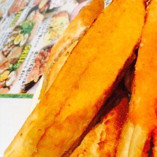 名物pisaの焼き立てバゲット塔オマール海老バター(ルーチェサンタルチア松井山手店)