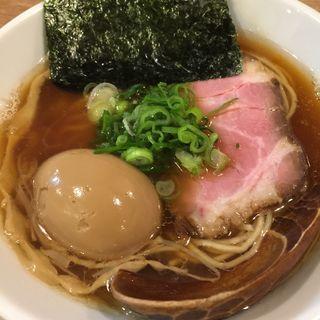 醤油らーめん  味玉乗せ(AKEBI)