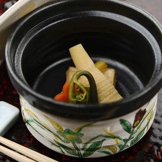 筍の煮付け(遊菜懐石はなや)
