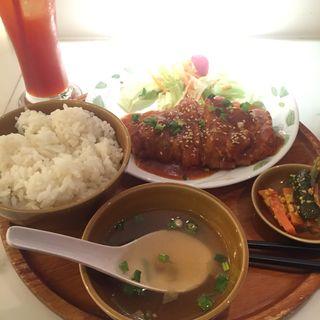 チリ鶏定食(シンガポール海南鶏飯 赤坂店 (ハイナンチーファン))