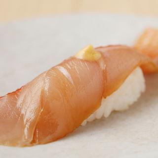 真鯛(鮨みもと (【旧店名】鮨みはち))