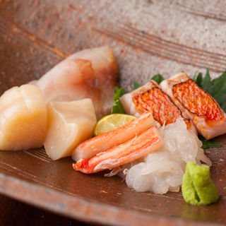 鮮魚の盛り合わせ(吉扇 )