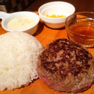 和牛ハンバーグ定食(M.E.S. Cafe & Bar)