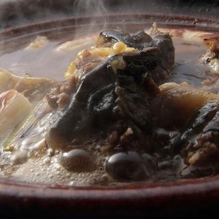 すっぽん鍋(か茂免 (かもめ))