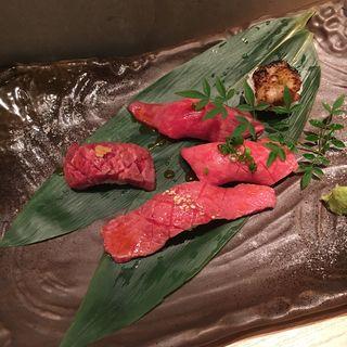 特選肉寿司(炭焼酒菜 HANABI )