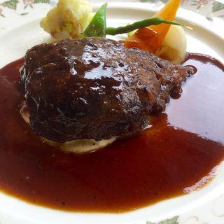 シェフのおすすめランチ(オードブルまたはスープ、魚料理または肉料理、パン、コーヒー)(ル・ジャルダン )