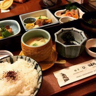 お昼のお弁当(湖月 (こげつ))