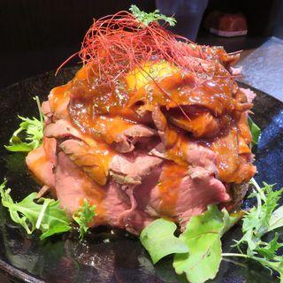 ローストビーフ丼(大盛)(RED MOUNTAIN)
