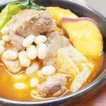 豚肩肉と白インゲン豆の煮込み
