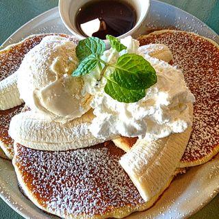 フレッシュバナナクリームパンケーキ(カフェ デイ (cafe day))