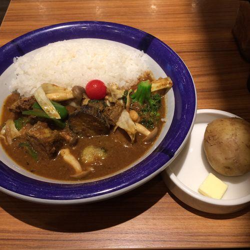 ビーフ+野菜カリー カレー部昼練。ビーフ+野菜カリー、辛さ10倍  #curry #カレー #lunch #ランチ #サラメシ (@エチオピアカリーキッチン)