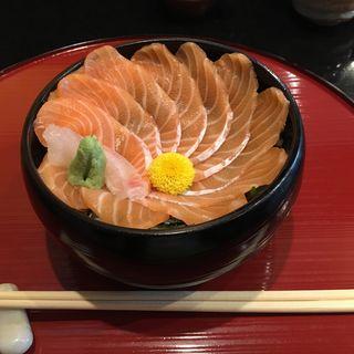 紅トロ丼(真一心 (いっしん))