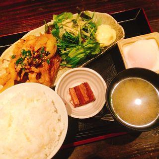温玉のせ生姜焼き定食(さつまや 本店)