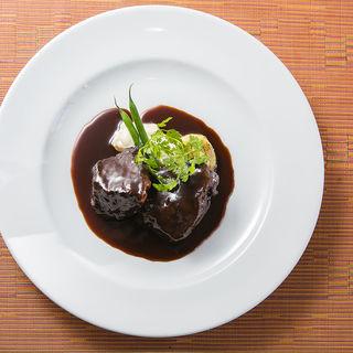 牛ホホ肉の赤ワイン煮込み(ビストロALLIER)
