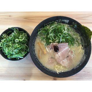 白豚骨青ネギ山ラーメン(熟成豚骨ラーメン専門 一番軒 今池店 )