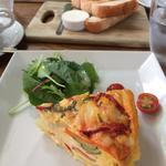 ローストパプリカとシェーブルチーズのイタリアンオムレツ