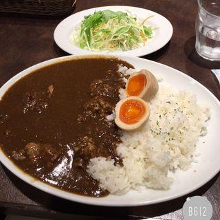 牛すじ燻玉カレー(オールドステーション )