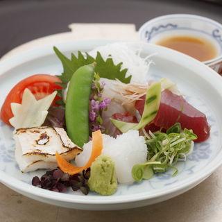鮮魚の盛り合わせ(いしづか )