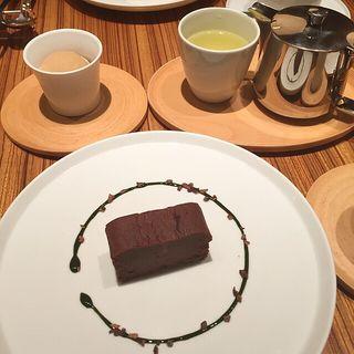 あずきとカカオのフォンダン(トラヤカフェ 表参道ヒルズ店 (TORAYA CAFE))