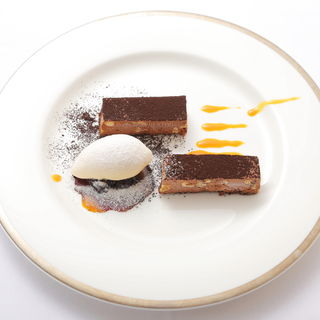 チョコレートのムース(レストラン シュバル ブラン (Cheval Blanc))