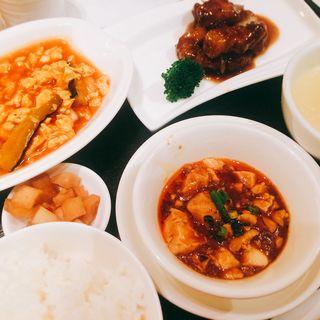 酢豚と海老チリソース、麻婆豆腐(天厨菜館 渋谷店 (テンツウサイカン))