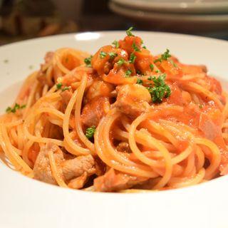 豚肉、豚タンと筍のトマトソース(ピノサリーチェ (Pinosalice))