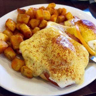 Eggs Benedict(Eggs'n Things Guam )