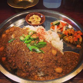 ひよこ豆入り豚肉のキーマカリー(アララギ )