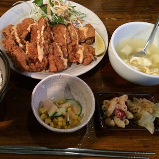 満腹唐揚げ定食(東大門タッカンマリ 立川本店 )
