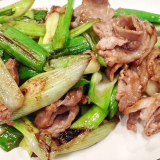 豚肉と葉玉ねぎのオイスタソース炒め(あきん )