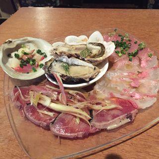 鮮魚のカルパッチョ(イタリアンバル UOKIN)