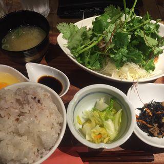 唐揚げ定食(肉炭バル MATOIYA )
