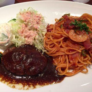ハンバーグとナポリタンセット(Kitchen KAMEYA 洋食館 (キッチンカメヤヨウショクカン))