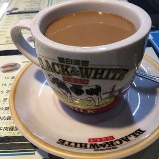 香港式ミルクコーヒー(贊記茶餐廳 (チャンキチャチャンテン))