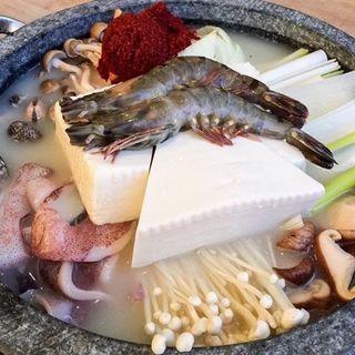 海鮮チゲ鍋(韓国料理 ビビム ルクア大阪店 (bibim'))