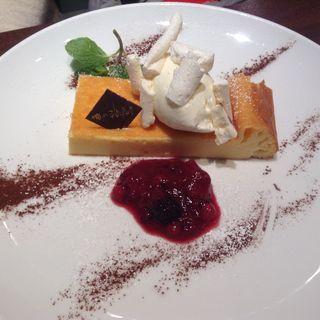 フランス産Kiriの濃厚チーズケーキ(俺のフレンチ・イタリアン 松竹芸能 角座広場)