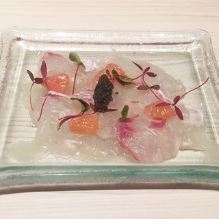 本日の鮮魚のカルパッチョ グレープフルーツと生姜の香り(俺のフレンチ 博多)