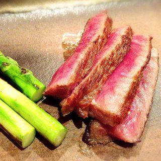 深谷牛のステーキ(炎の鉄板焼ダイニング あじと)