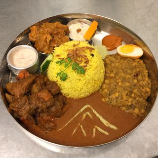ノン・ベジタリアン・タリーランチ(インド家庭料理 ミレンガ)