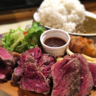 肉盛りステーキ3種(パテ屋 )