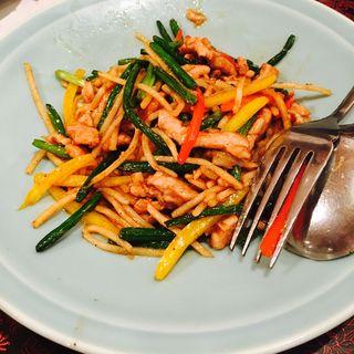 筍と豚肉のチンジャオロース(歓歓 (ほあんほあん))