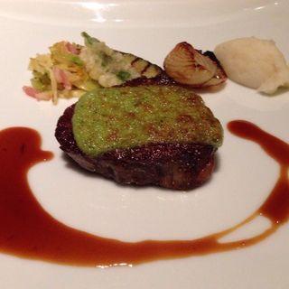牛フィレ肉のポワレ(コースのメイン料理)
