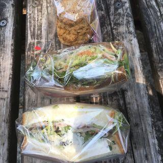 アボガド/クリームチーズサンドイッチ(ミアズ ブレッド (MIA'S BREAD))