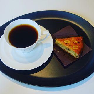 ハンドドリップコーヒー&タルト(ミカフェート横浜元町店)