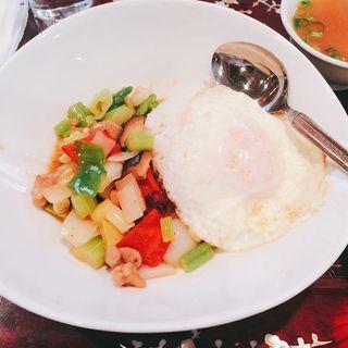 鶏肉のドライレッドチリ丼(Ha Lang Son (【旧店名】 龍子閣))